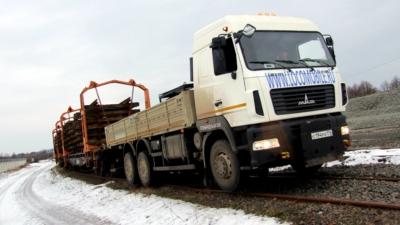 Permalink to:Маневровый локомобиль МАЗ с КМУ
