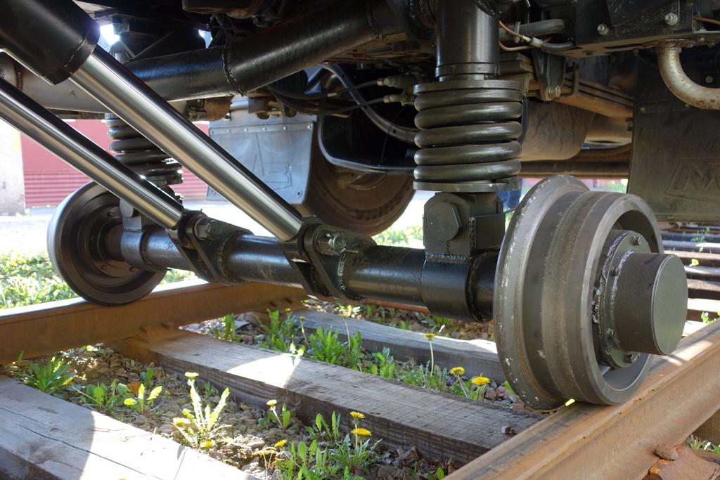 Ось комбинированного хода локомобиля МАЗ