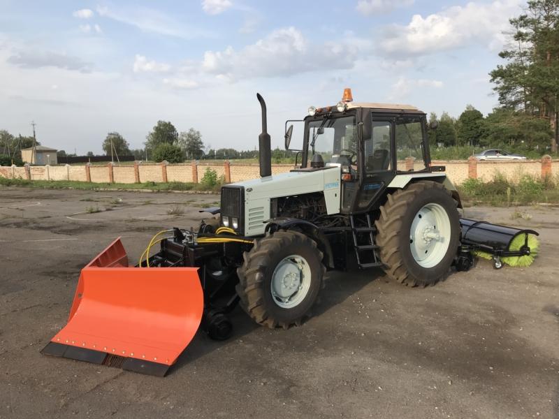 Снегоуборочный рельсовый трактор РЕТРАК-1221.2
