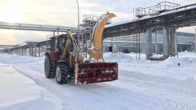 рельсовый трактор Машина универсальная РЕТРАК-92П снегоочиститель